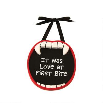 Love At First Bite Magnet - 4017552